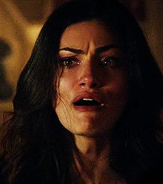 Hayley The Originals, Vampire Diaries The Originals, Gifs, Calin Couple, Phoebe Tonkin Gif, Foto Gif, John Winchester, Good Movies To Watch, Movie Couples