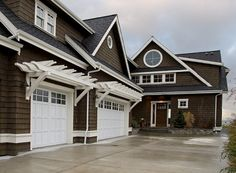 Steps and pergoda Seattle Exterior Pergola Design, Pictures, Remodel, Decor and Ideas - page 2 House Siding, House Paint Exterior, Exterior House Colors, Exterior Design, Garage Design, Garage Exterior, Garage Pergola, Garage Trellis, Steel Pergola