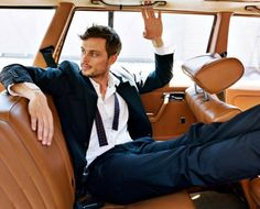 Matthew Gray Gubler, of Criminal Minds. Spencer Reid doesn't look so geeky now, does he? Love me some Criminal Minds! Dr Spencer Reid, Dr Reid, Spencer Reed, Spencer Reid Criminal Minds, James Mcavoy, Jake Gyllenhaal, Look At You, How To Look Better, Mtv