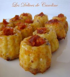 Savory mini cannelés for the aperitif! Pizza Recipes, Appetizer Recipes, Chicken Recipes, Fingerfood Party, Cake Factory, Party Finger Foods, Mini Cakes, Brunch, Food And Drink