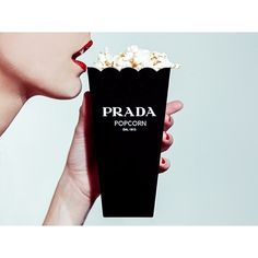Prada Popcorn by Tyler Shields. Photographer Tyler Shields is best known for his controversial subject matter and shocking pop culture images of celebs. Photo Trop Belle, Tyler Shields, Devil Wears Prada, Moda Chic, Tim Walker, Oeuvre D'art, Editorial Fashion, Ideias Fashion, Fashion Photography