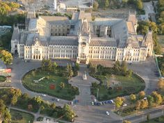 Palatul Culturii Iasi - Aerial - Romania – Travel guide at Wikivoyage Places To Travel, Places To See, Travel Destinations, Capital Of Romania, Places Around The World, Around The Worlds, Visit Romania, Romania Travel, Luxembourg Gardens