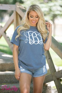 Your true colors are sure to show in this new vinyl monogram Comfort Colors short sleeve tee! It's perfect year round - from breezy spring nights in the backyard to summer afternoons on the beach.