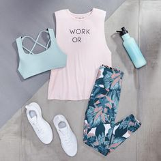 When to Replace Your Fitness Gear: Out With the Old, In With the New Cute Workout Outfits, Cute Comfy Outfits, Workout Attire, Womens Workout Outfits, Sporty Outfits, Athletic Outfits, Workout Gear, Fashion Outfits, Athletic Wear