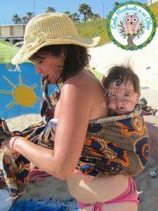 Portabebés en la Playa - Verano - Cada Mochuelo a su Olivo