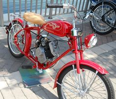 a motorcycle i could ride with the addition of training wheels!thats a motorcycle i could ride with the addition of training wheels! Antique Motorcycles, Cool Motorcycles, Moto Bike, Motorcycle Bike, Bicycle Engine Kit, Motorised Bike, Motorized Bicycle, Motor Scooters, Old Bikes