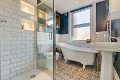 Love Victorian houses with their ceiling roses, sash windows and original fireplaces as much as we do? Property Ad, London Property, Beautiful Family, Beautiful Homes, Sash Windows, Ceiling Rose, Clawfoot Bathtub, Victorian Homes