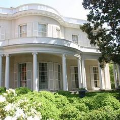 the1812Wickham House, a National Historic Landmark,encouragesguests to explore aspects of life in the early 19th century. The Wickham House was purchased by Mann Valentine Jr. and in 1898 became the first home of the Valentine Museum. In the public first-floor rooms,nationally-recognized neo-classical interiorshelped the Wickham familyand their enslaved servants present alifestyleoftasteand refinement.The …