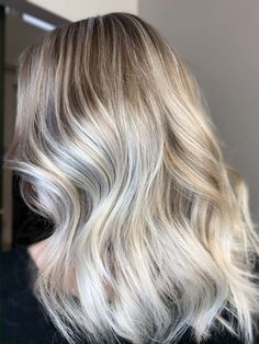 THE FIX: From Too Warm To Icy Hot - Color - Modern Salon Blonde Roots, Ash Blonde, Hair Dye Colors, Cool Hair Color, Best Gold Spray Paint, Shampoo Bowls, White Blonde, Great Hair, Hairline