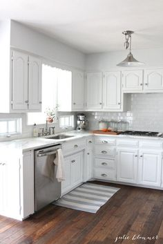 Supreme Kitchen Remodeling Choosing Your New Kitchen Countertops Ideas. Mind Blowing Kitchen Remodeling Choosing Your New Kitchen Countertops Ideas. White Kitchen Cabinets, Kitchen Redo, Kitchen Dining, Kitchen White, Design Kitchen, Classic White Kitchen, White Cupboards, Narrow Kitchen, Kitchen Ideas In White