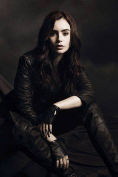 Lily Collins as Clary Frey ~ TMI love this series