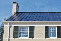 metal roof with solar laminate - solar technology Solar Energy Panels, Best Solar Panels, Solar Energy System, Solar Shingles, Solar Roof Tiles, Solar Projects, Solar House, Solar Panel Installation, Solar Charger