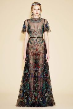 Valentino!  Oooooh a fairytale dress fit for a princess!   The detail on this dress is phenomenal..