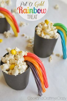 Pot O' Gold Rainbow Treat - great to take to classes, play groups or friends! SO EASY!  http://cookandcraftmecrazy.blogspot.com/2014/02/pot-o-gold-rainbow-treat.html
