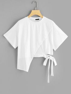To find out about the Asymmetrical Knot Solid Tee at SHEIN, part of our latest T-Shirts ready to shop online today! Girls Fashion Clothes, Teen Fashion Outfits, Girl Fashion, Girl Outfits, Emo Outfits, Punk Fashion, Lolita Fashion, Summer Outfits, Shirt Makeover