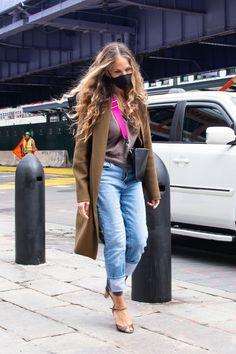 Summer Jeans, Denim Branding, Sarah Jessica Parker, Jeans For Sale, Fashion Editor, Jeans Brands, Summer Wardrobe, Cute Tops, Ikon