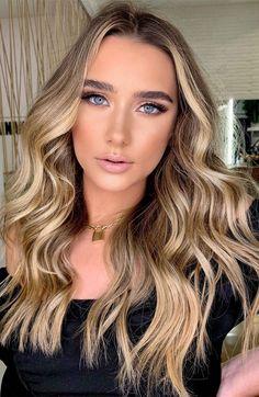 Teen Hair Colors, Cute Hair Colors, Beautiful Hair Color, Hair Colours, Beige Blonde Hair, Brunette To Blonde, Light Blonde, Dark Hair, Coffee Hair Color