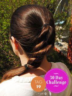 Heute mit Zopf, gemacht mit Twist Secret von Babyliss. Babyliss Twist Secret, Pixie, 30 Day Challenge, Models, Challenges, Hair, Fashion, Elegant, New Day