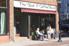 Downtown Eau Claire, Wisconsin | The Goat moves down the street
