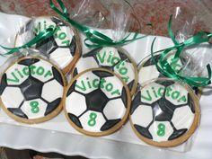 thttp://www.etsy.com/listing/115811969/soccer-ball-sugar-cookies