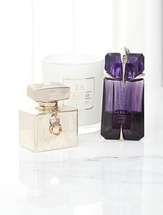 Candle designer Kyly Clarke knows the importance of a good fragrance. Find out her favourites on Beauticate.com #Beauticate #KylyClarke #candledesigner #lifestyleblogger #blog #Lyfestyled #LyfestyledHomewares #beauty #fragrance #scents #smells #perfume #candle