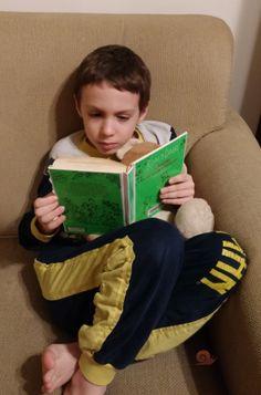 Premier billet signer par mon fils de 7 ans sur mon blog.  Voici sa présentation du livre  Charlie et la chocolaterie. #escargotetcoquille #homeschool