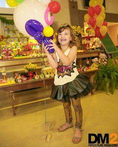 Só mais uma dessa fofura sorridente que é a Manu !!! Que sorriso mais gostoso que conseguimos tirar dela... * * Vem para DM2 @dm2fotoefilme * Sua memória do melhor ângulo 11 2941-3133 * #dm2fotoefilme #buffetinfantil #kids #minilandbuffet #photography #photographer #photo #canon #markiii #picture #colorful #color #life #smile #criança #TopRankRepost - #regrann