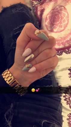 Here are 55 women& nail designs that inspire women 2019 35 Glam Nails, Fancy Nails, Nail Manicure, Love Nails, Beauty Nails, Pretty Nails, My Nails, Chrome Nails Designs, Almond Nails