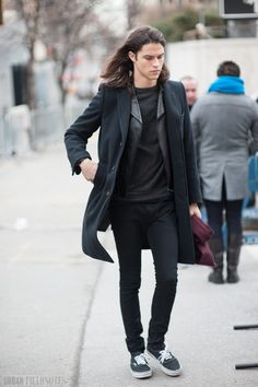 new york street style Kids Clothing Brands List, Viernes Casual, Mens Fashion, Fashion Outfits, Fashion Trends, Fashion Styles, Style Fashion, Miles Mcmillan, Look Street Style