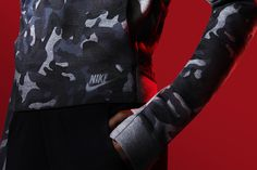 To ensure all-around lightweight warmth, the women's Nike Tech Fleece Camo Crew . Basket Mode, Tech Pack, Nike Tech Fleece, Baskets Nike, Hand Warmers, Nike Sportswear, Camo, Nike Women, Bomber Jacket
