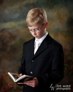 First Communion Portrait. Lisa Ward Photography
