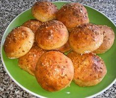 Kváskové cibuľové pagáče (fotorecept) Baked Potato, Potatoes, Pains, Ethnic Recipes, Gardening, Food, Basket, Potato, Lawn And Garden
