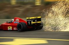 Alain Prost's Ferrari throws up sparks on his way to winning the 1990 Spanish Grand Prix, the last at Jerez Alain Prost, Formula 1, Ferrari 2017, Spanish Grand Prix, Vintage Race Car, F1 Racing, Car Wheels, Automobile, Fast Cars