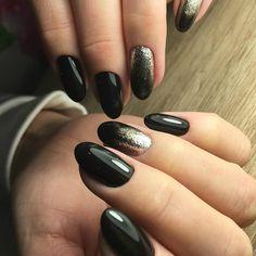 unghie nere e argento