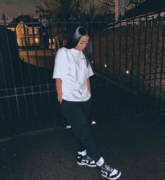 Swag Outfits For Girls, Chill Outfits, Cute Swag Outfits, Cute Comfy Outfits, Teenager Outfits, Dope Outfits, Teen Fashion Outfits, Stylish Outfits, Tomboy Fashion