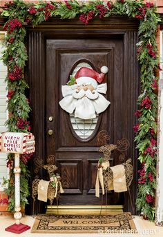In the air there's a feeling of Christmas! Brighten up your front door with an homage to the North Pole.