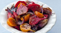 Roasted Balsamic Beets: Beets are typically prepared with sweet and sour flavors. In this recipe, roasting brings out the sweetness and a balsamic glaze adds the piquant notes. Can't have too many recipes for beets. Beet Recipes, Healthy Recipes, Side Dish Recipes, Vegetable Recipes, Vegetarian Recipes, Cooking Recipes, Roast Recipes, Gourmet Recipes, Vegetarian Dish