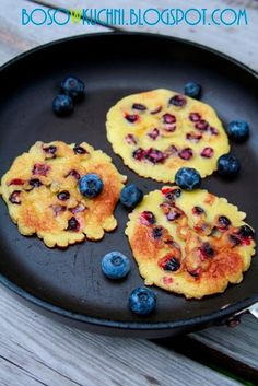 Wholemeal Pancakes with Blueberries and Honey www.bosowkuchni.blogspot.com Boso w Kuchni