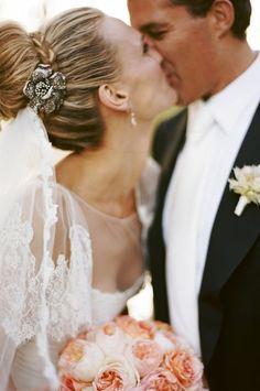 Bride's updo bun bridal hair ideas Toni Kami Wedding Hairstyles ♥ ❷ wedding…