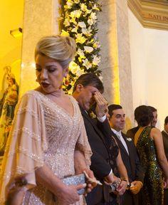Fatima Colombara ficou linda com vestido nude bordado à mão!