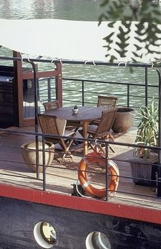 A houseboat in Paris