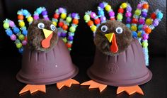 These turkey crafts are made from plastic fruit cups! Seriously adorble.