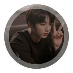 i love him tyvm Jungkook Aesthetic, Kpop Aesthetic, Busan, Namjoon, Jung Kook, Profile Pictures Instagram, Profile Pics, Kpop Profiles, Jungkook Cute