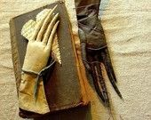 Eliza Pennyworth's Glove, an Extreme Primitive Pattern.  ©2004 Stacey Mead  The Goode Wife of Washington County