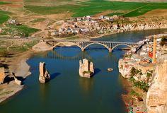 Hasankeyf-Batman, Turkey #Turkey Photo Location, Background Images, Wallpaper Backgrounds, Tourism, Batman, Istanbul, River, City, Outdoor