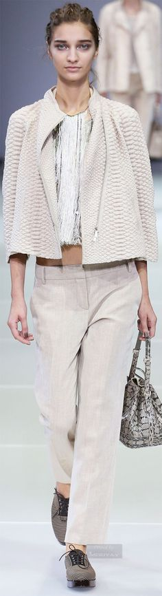 Giorgio Armani.Spring 2015. find brown knit shall