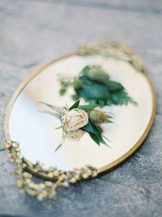 #buttonhole #floral #roses #vintage #wedding #accessories #allprettyweddings