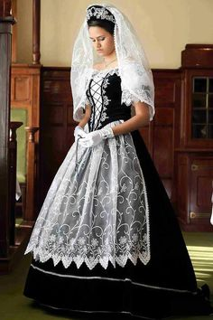 Hungarian Embroidery Stitch Hungarian traditional wedding dress, absolutely gorgeous, but would never wear black myself Traditional Fashion, Traditional Outfits, Costumes Around The World, Hungarian Embroidery, Traditional Wedding Dresses, Ethnic Dress, Folk Costume, Ethnic Fashion, Historical Clothing