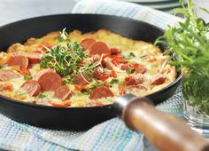 Stingig omelett med kryddstark korv