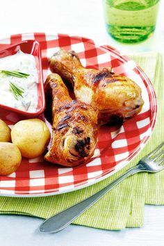 Broilerinkoivet ja vuohenjuusto-tsatsiki   K-ruoka #grillaus Green Eggs, French Toast, Chicken, Meat, Dining, Breakfast, Koti, Big, Morning Coffee